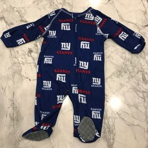 New York Giants Footed Pajama Size 0-3 months
